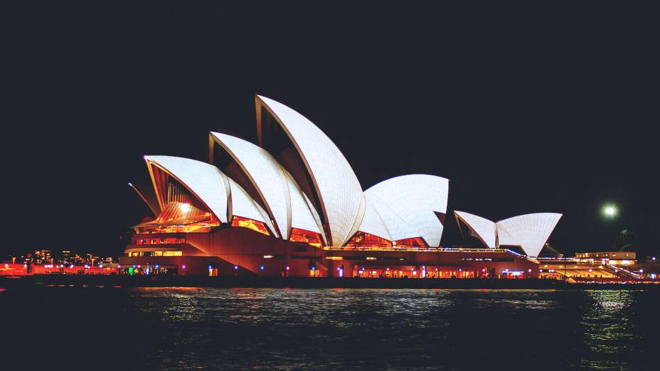 Can a lactation consultant prescribe medication in Australia