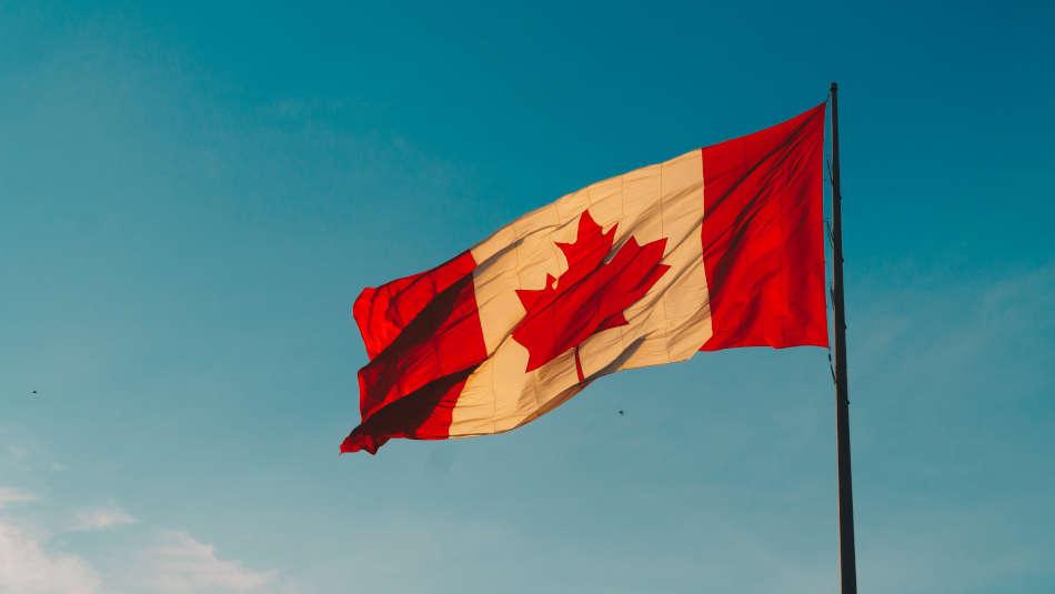 Can a lactation consultant prescribe medication in Canada