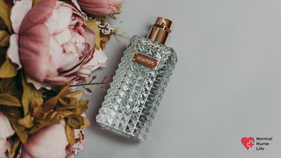 Can nurses wear perfume